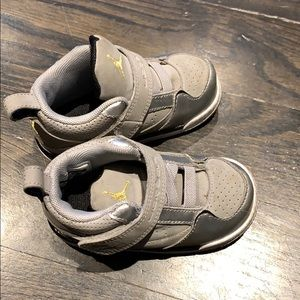 Toddler boys size 5.5 Jordan sneakers